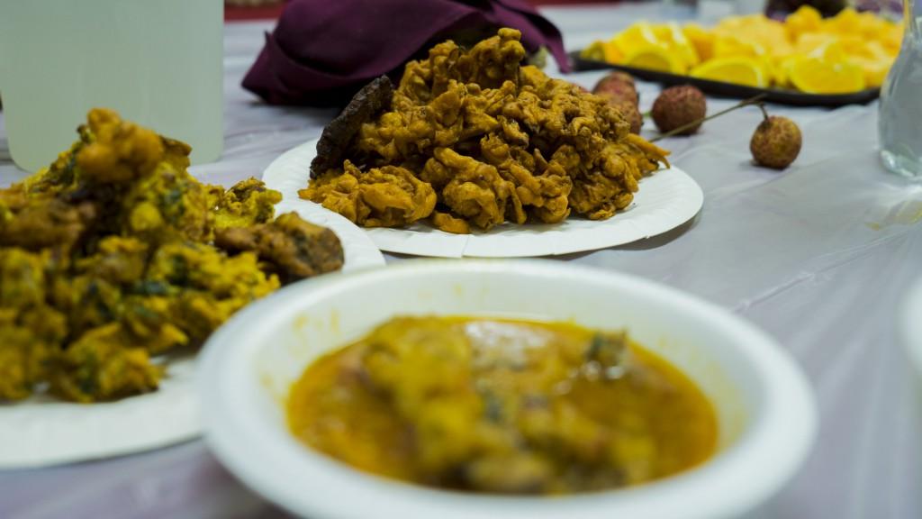 近年,大部分在港清真寺都只能「入屋」,以有限空間及資源傳承伊斯蘭文化。辜勿論日常生活如何,他們也絕不會草草解決星期天的Special meal,繼續以笑容迎接挑戰。